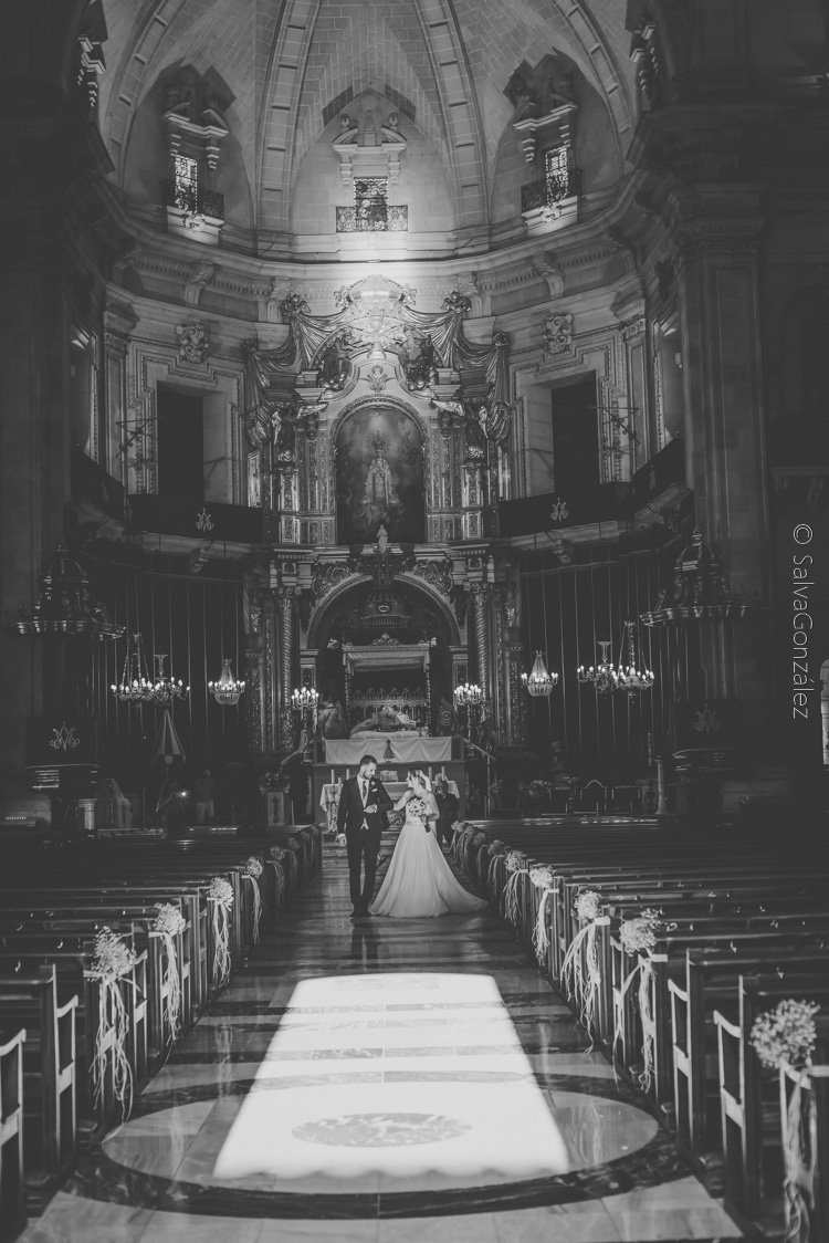 4-salida-iglesia-1